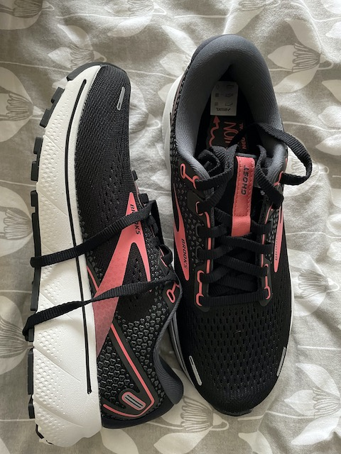New Brooks Ghost 14 on the bed