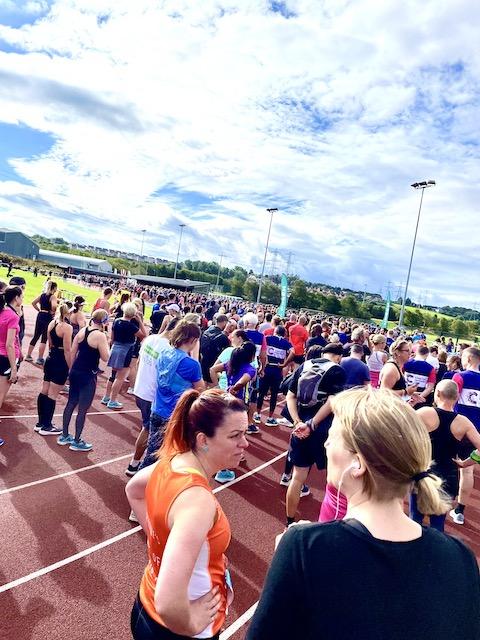 Lots of runners assembling for the start